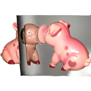 Gag Gifts - Lipsticks: Lip Locking Pigs
