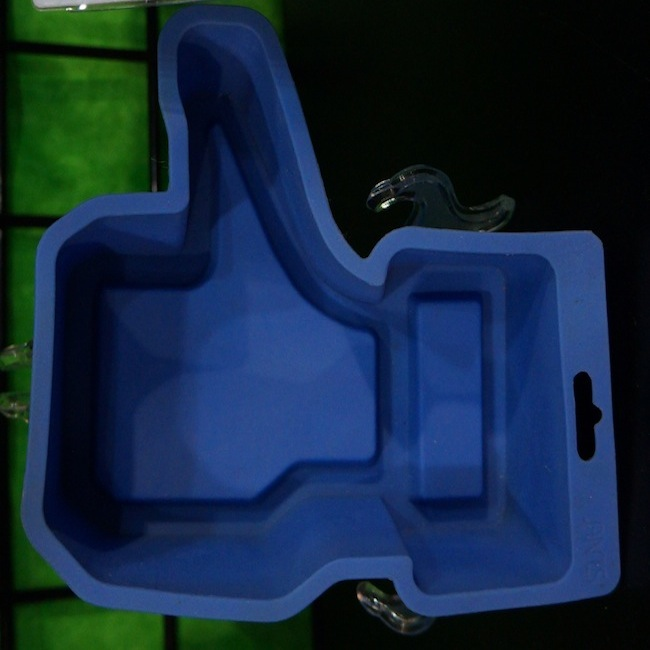 Gag Gifts - Thumbs Up Silicone Cake Mold